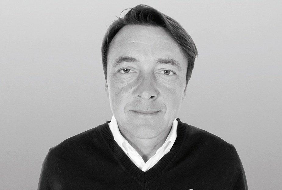Peter Karz, Fully  Qualified PGA Professional mit Stützpunkt im Golfpark München-Aschheim.  Seit 1996 Trainer von  Alex Cejka