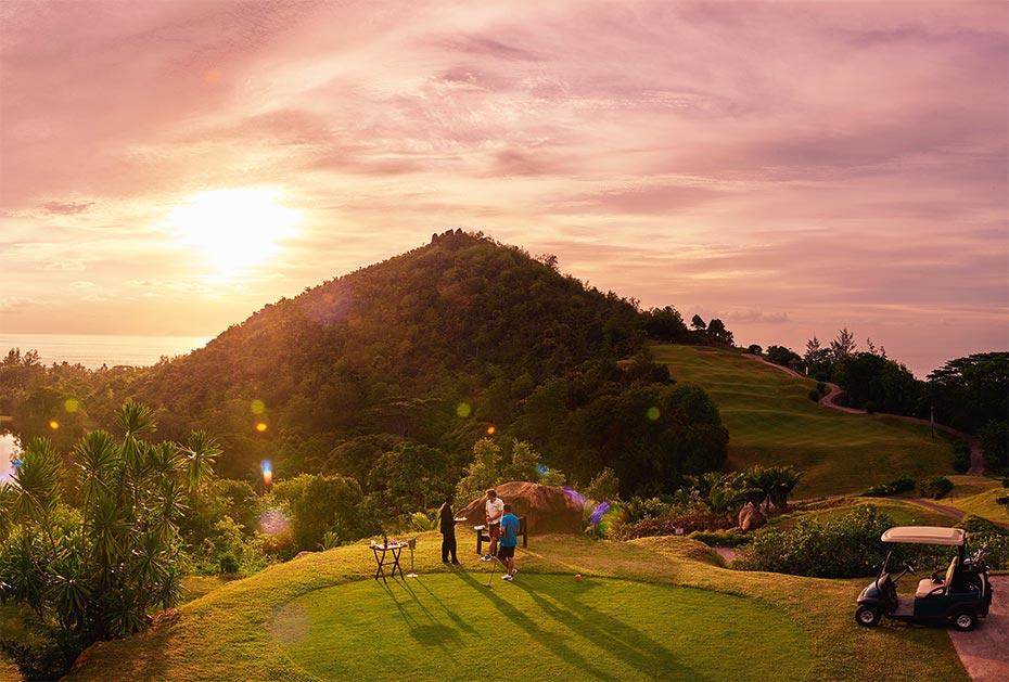 Traumaussicht: auf dem Golfplatz des Constance Lemuria Seychelles