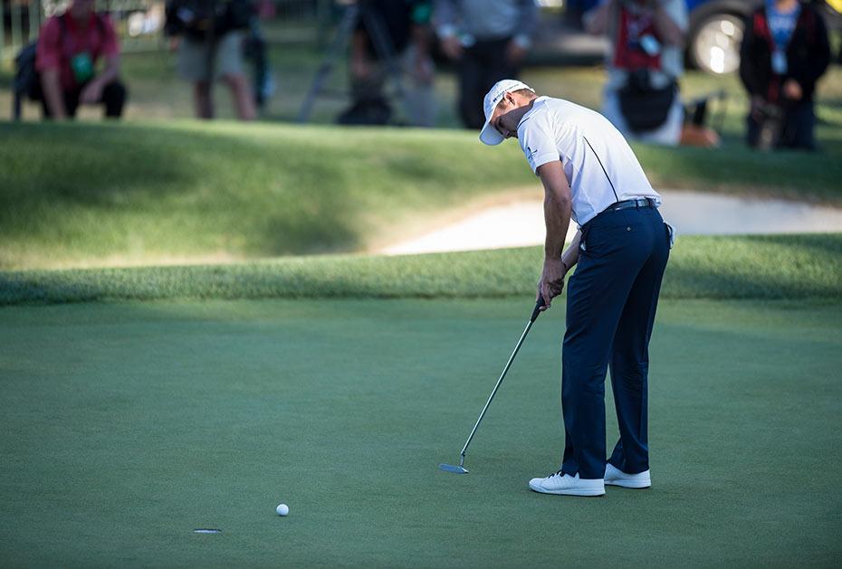 Gut sein, wenn's darauf ankommt: Martin Kaymer mit dem Putt zum Sieg beim Ryder Cup 2012