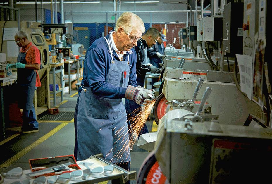 Auch mit mittlerweile 79 Jahren ist Bob Vokey noch aktiver Herr der Wedges