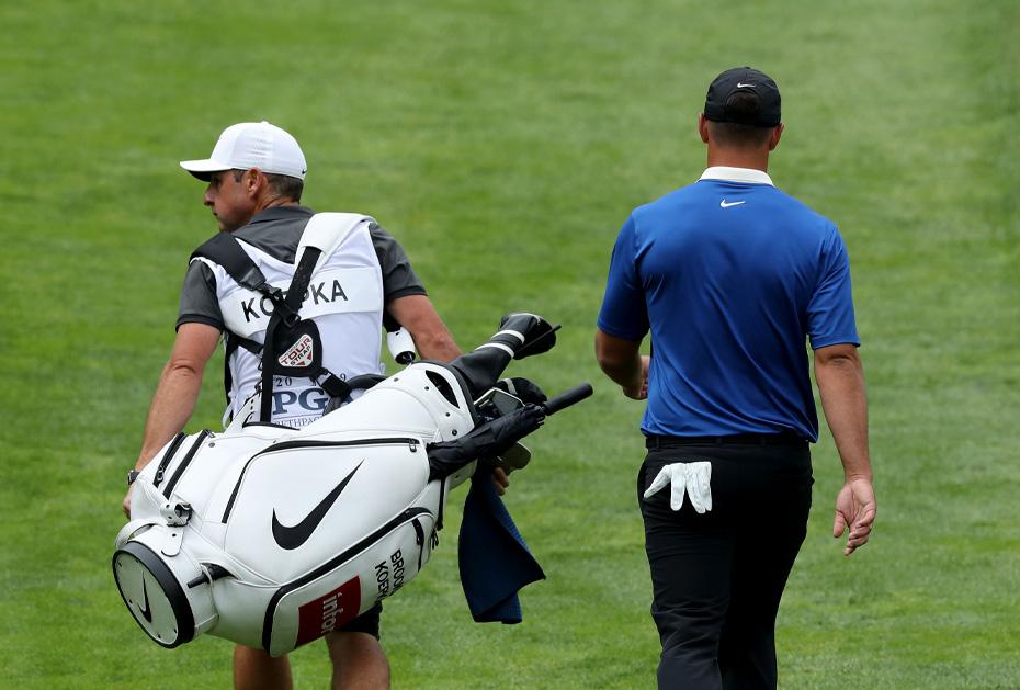Nike außen, viele andere innen: Wir werfen einen Blick in die Tasche von Brooks Koepka