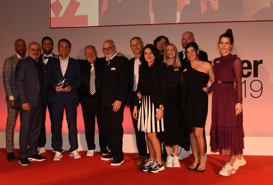Schuhkurier Awards 2019: Skechers als Bester Schuhhersteller 2019 ausgezeichnet (Foto: schuhkurier/Sternefeld Medien)