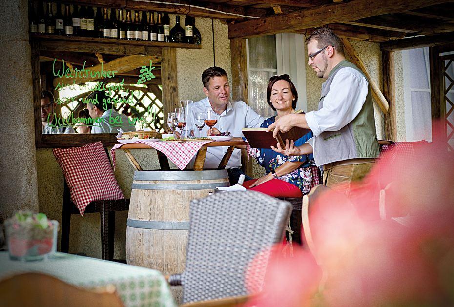 Gemütliches Beisammensein in der Weinpress