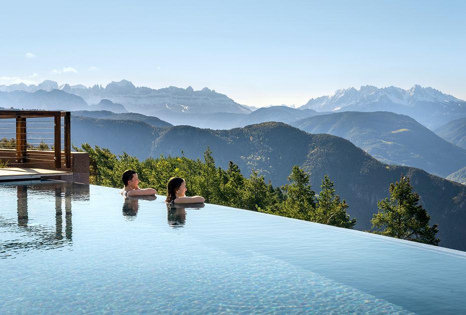 Infinity-Pool-Vergnügen im Hotel Belvedere