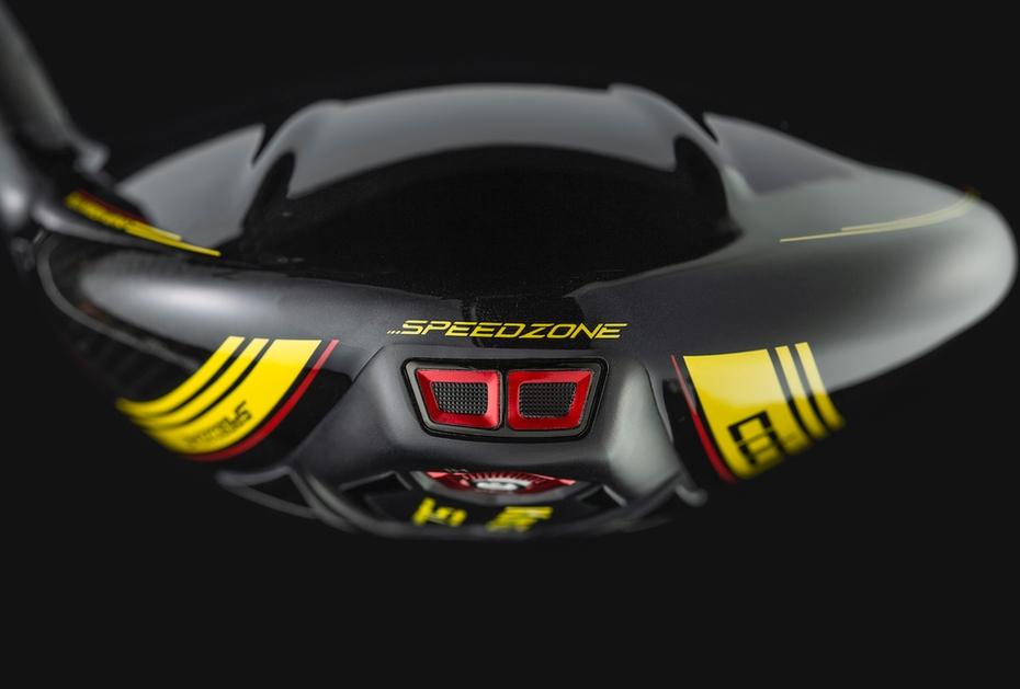 GROSSE FUSSSPUREN Der Cobra King Speedzone Driver ist der Nachfolger des King F9 Speedback
