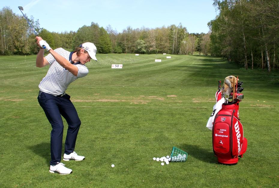 TRAINING MIT SINN UND VERSTAND Viele Golfer schlagen auf der Driving Range einfach nur eimerweise Bälle