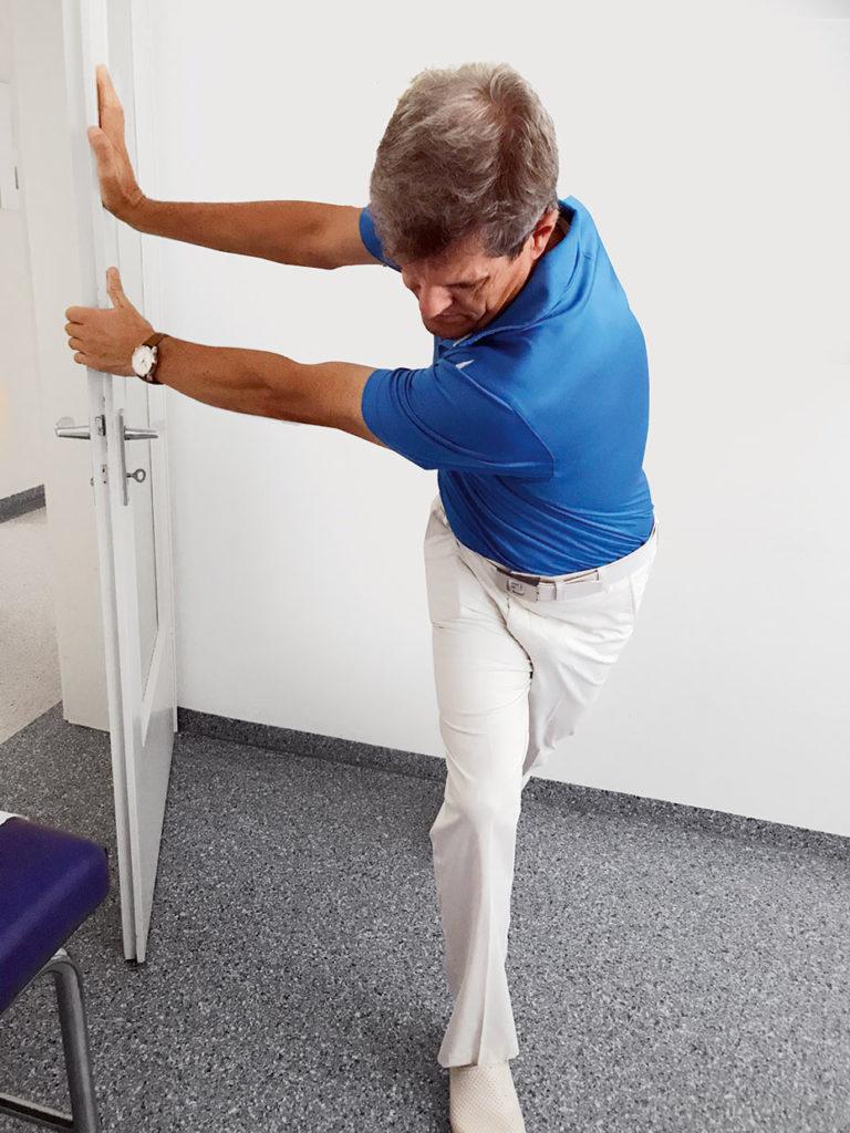 Dehnübung für Golfer mit Ankertechnik