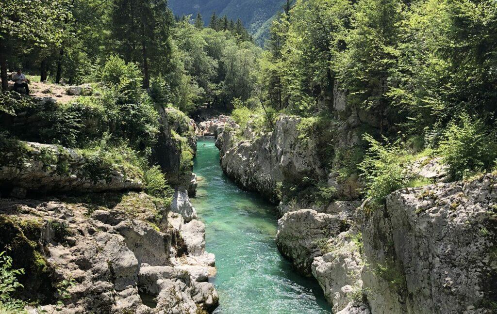 Der smaragdgrüne Soča, der schönste Fluss Sloweniens