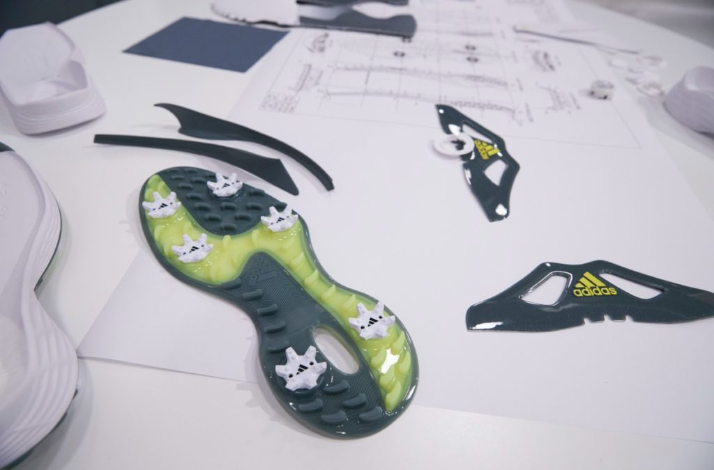 Ein Blick auf die Einzelteile des Adidas ZG 21 Golfschuhs