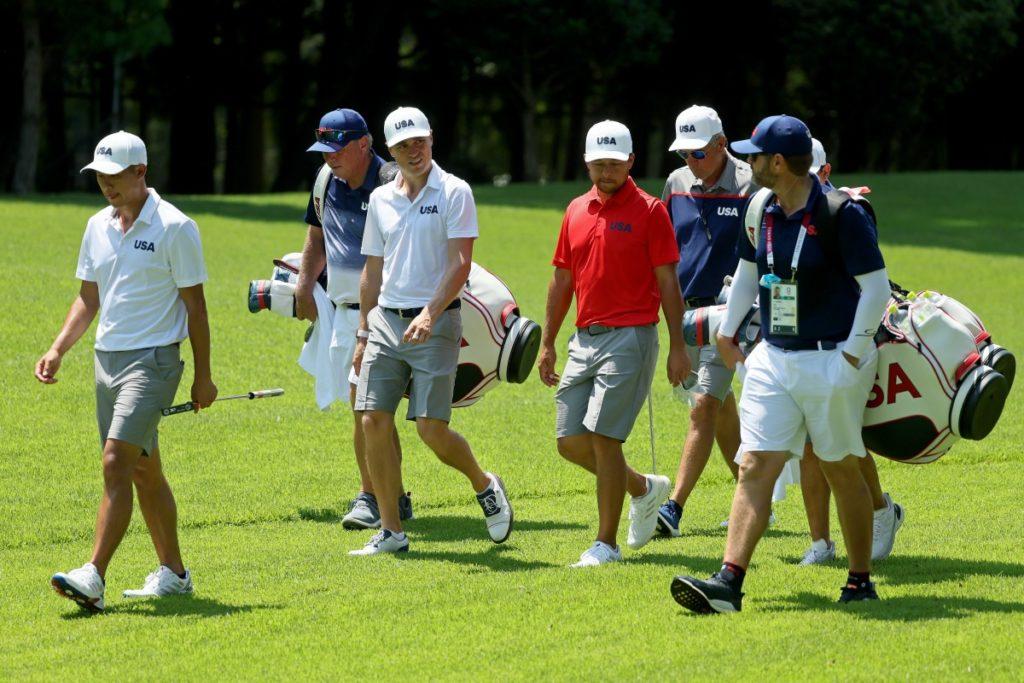 Das us-amerikanische Team (ohne Patrick Reed) auf der Einspielrunde
