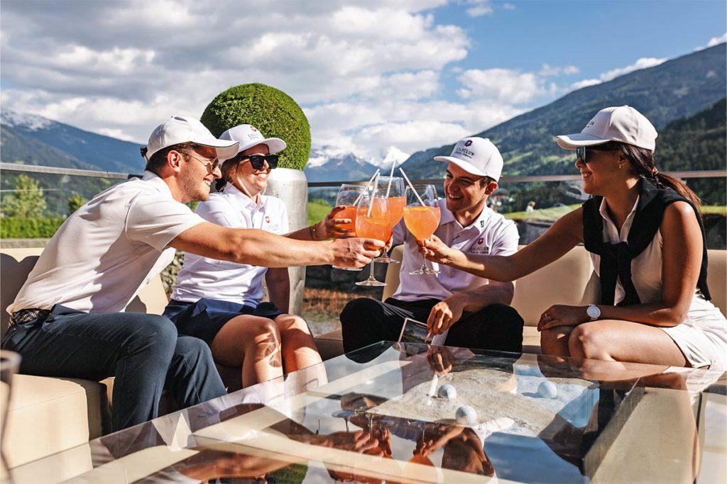 ON TOP OF THE WORLD. Kühle Drinks auf der Sonnen- oder Dachterrasse
