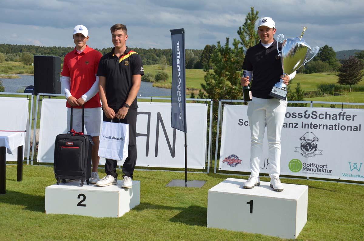 Dross&Schaffer Schäfflertanz Int. Open 2021 Siegerfoto Herren (v.l.): Philipp Katich, Tom Haberer, Tim Wiedemeyer