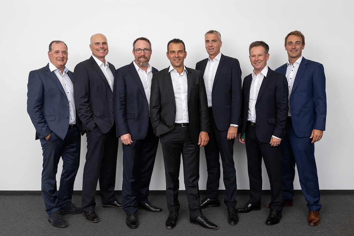 Neue Führung: In den kommenden drei Jahren sind Anthony Lloyd als Beisitzer, Ralf Pütter als Schatzmeister, Vizepräsident Oliver Neumann, der 1. Vorsitzende Kariem Baraka sowie die weiteren Beisitzer Marco Kaussler, Paul Dyer und Florian Fritsch (v.l.) für den PGA of Germany e.V. verantwortlich.