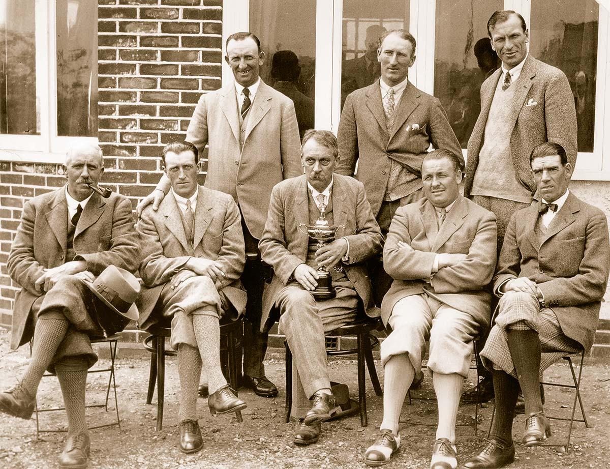 Erstaustragung 1927: Das Britische Team mit Samuel Ryder vor den Matches